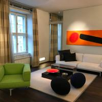 Dream Stay - Luxury Design Apartment with Main Square View and Jacuzzi