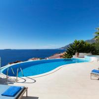 Iskenderun Villa Sleeps 10 with Pool and Air Con