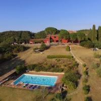 Stazione di Monte Antico Villa Sleeps 24 with Pool and WiFi