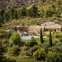 Les Baux de Provence Villa Sleeps 10 Pool WiFi