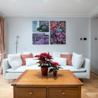 Immaculate three bedroom Fulham garden flat - Oakbury