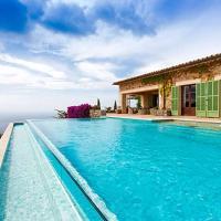 Deia Villa Sleeps 12 with Air Con and WiFi