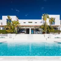Playa d'en Bossa Villa Sleeps 12 with Pool Air Con and WiFi