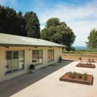 Elberton Villa Sleeps 8 with WiFi
