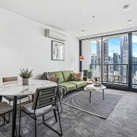 Endless City Views in Luxe Melb CBD Apt with Free Netflix!