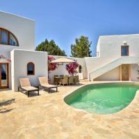 Cala Llonga Villa Sleeps 10 with Pool Air Con and WiFi