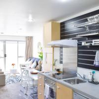 Well Lit Bright 2 Bedroom Apartment in Central Location
