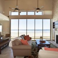 Breathtaking Oceanfront Escape wRooftop Terrace