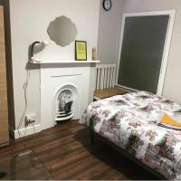 STYLISH DELUXE DOUBLE ROOMS - 20 Mins FROM CENTRAL LONDON BREAKFAST INCLUDED