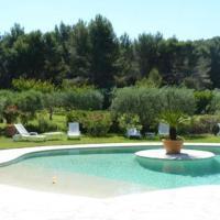 Les Baux de Provence Villa Sleeps 8 Pool WiFi