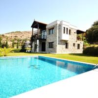 Mugla Villa Sleeps 10 with Pool Air Con and WiFi