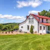 'John's Farmhouse in Mount Snow' on 120 Acres!