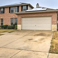 Quiet Arlington House w/Yard near Joe Pool Lake!