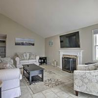 Updated Old Lyme Cottage - Steps from the Beach!