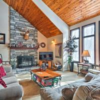 Relaxing Eagle Rock Resort Home - 1 Block to Lake!