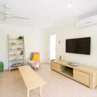 3 Bedroom Apartment Minutes from Main Beach
