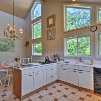Ann's Aerie Home w/Gorgeous Views & Special Rates!