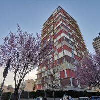 Ático de tres plantas lujo con piscina a 15 minutos centro de Madrid