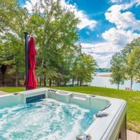 Waterfront Douglas Lake Home w/ Private Dock+Grill