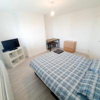 3 Bedroom Rayleigh Apartment