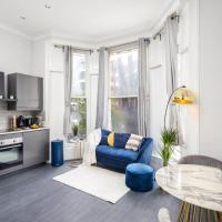 Kensington Luxury Apartment