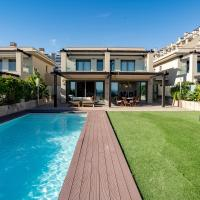 Luxury Villa Private Infinity Pool and Sea Views