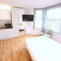 Studio Flat in Shepherds Bush