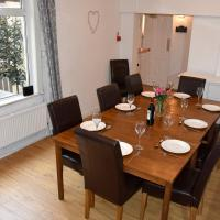 Cornish Townhouse Central Newquay with Parking - Simply Check In