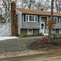 Cape Cod Home w/ View & Access to Mill Pond!