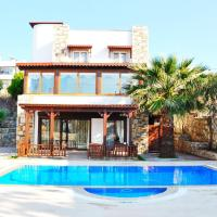 Ortakent Villa Sleeps 9 with Pool and Air Con