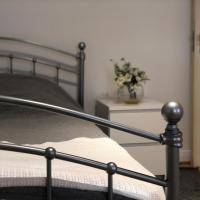 R Rooms Acton Town
