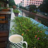 OYO 537 Na Banglampoo Hotel