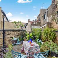 Bright and Stylish 2 Bed apt w/Garden in Hoxton