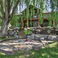 'River's Edge' 6BR Glenwood Home w/Private Hot Tub