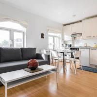 Airy and modern 2 bed flat in Marylebone