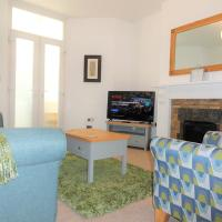 Homely, bright and well appointed Priory Apartment