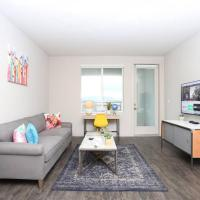 A Business Traveler's Home, Top Floor 1BR by TRIBE