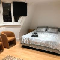 Luxury Penthouse Private Room, Golders Green STN