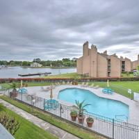 Lake Conroe Waterfront Condo w/Pools + Docks!