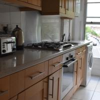 Shepherd Bush Apartment Close to Westfield Shopping Centre