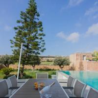 Luxurious Villa close to the natural woodland and Mdina