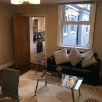 Ground Floor Contemporary 1 Bed Apartment