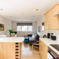 AWESOME NEW 3BED! - Centre - Nr Stadiums- Sleeps 8