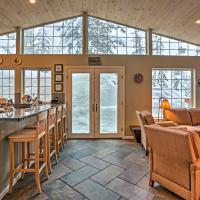 Squaw Valley Ski Retreat w/ Hot Tub ~1 Mi to Lift!