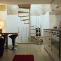 Vintage House Modern Twist - Heart of Valletta