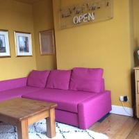 Quirky colourful flat in trendy London Brixton hot spot!