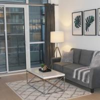 Luxury Condo by the Lake..1 Bedroom + Office Den