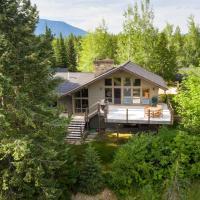 Modern Home w/Mt Views at Glacier NP Entrance