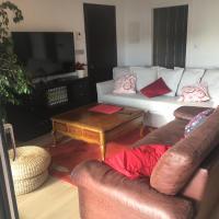 Suite 4p, hab +salón cocina +jardín .cerca de todo