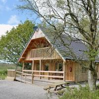 Deveron Lodge, Stunning Log Cabin in the woods next to the River